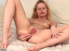Blonde cant live a day without touching her love tunnel