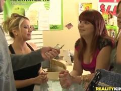 Blonde chachita porn diva gives oral job