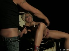 Blonde Lilly Spider and horny guy are so fucking horny in this cock sucking action