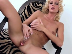 Cody Love gives a closeup view of her love hole while masturbating