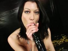 Dirty brunette Anita Hengher destroying her butthole