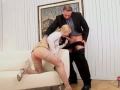 Hot ass blonde Misty Mild does amazing blowjob