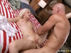 Stevie Shae cant resist Johnny Sinss stiff meat pole and takes it in her mouth